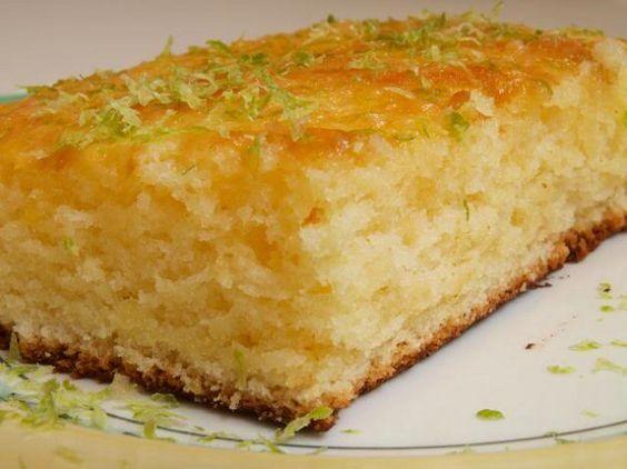 Prepare uma deliciosa receita de Bolo Simples e Prático de Limão INGREDIENTES 1 1/2 xícara (chá) de açúcar 2 colheres (de sopa) de raspas de limão 2 ovo