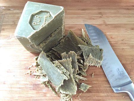 savon de marseille pour faire de la lessive maison du liquide vaisselle maison du savon. Black Bedroom Furniture Sets. Home Design Ideas
