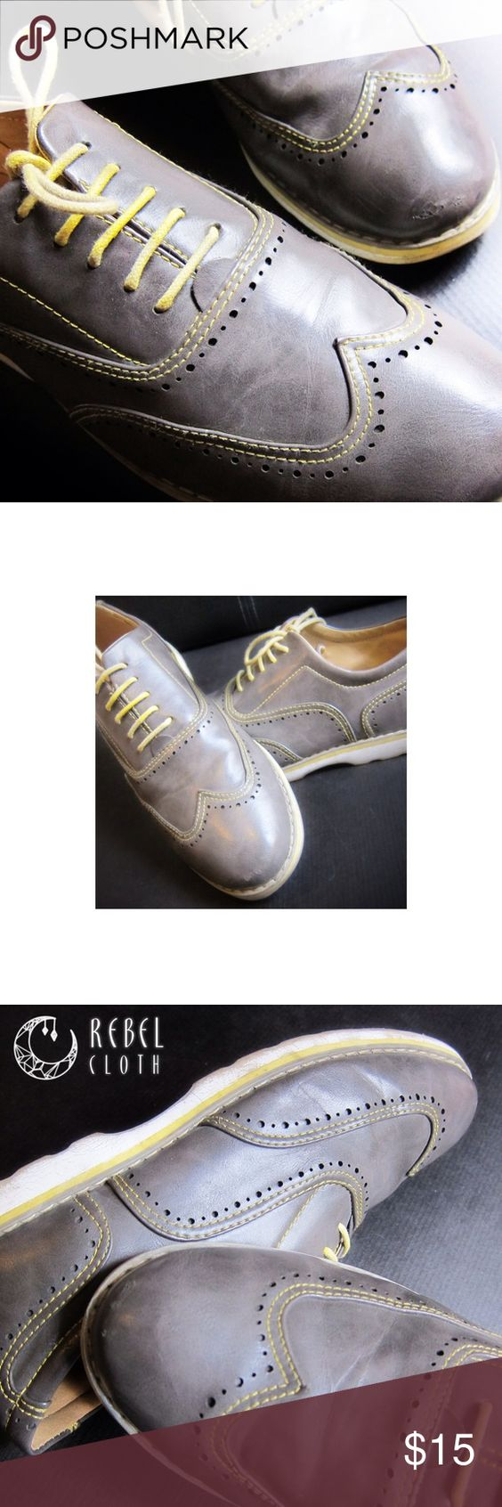 Phat Farm Men's Firenze Oxford Casual Shoe Comfort and style come easy in these lightly worn Phat Classic contrast oxfordsCharming yellow laces and stitching accent a synthetic grey upper, featuring a white sole (some wear - see detail shots)Men's sz 10 phat farm Shoes Oxfords & Derbys