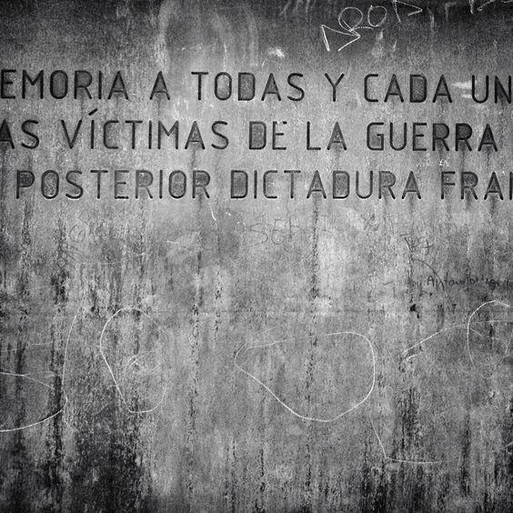 En memoria de las víctimas ....
