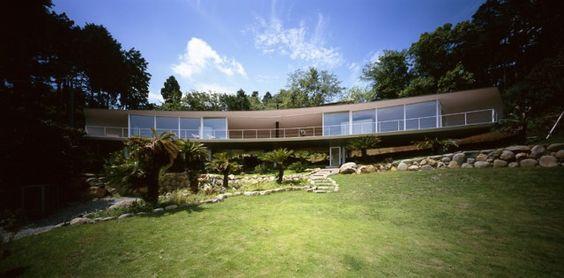 Crescent House by Shigeru Ban Architects
