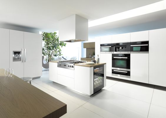 Miele rangetop cooktop with built in griddle miele wall for Miele kitchen designs