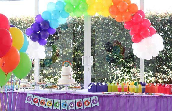 El #cumpleaños de Fernanda llena de color hoy en nuestro blog ❤️💛💚💙💜 #rainbow #rainbowparty #birthday