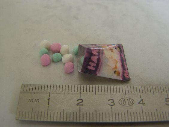 """paquet de bonbon au 1/12 dispo sur boutique """"unedavril"""""""