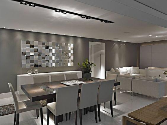 Neste projeto de Edwiges Cavalieri, o branco ganha a companhia da madeira e da parede cinza, dando ao ambiente um ar sofisticado Foto: Divulgação: Edwiges Cavalieri Designer de Interiores