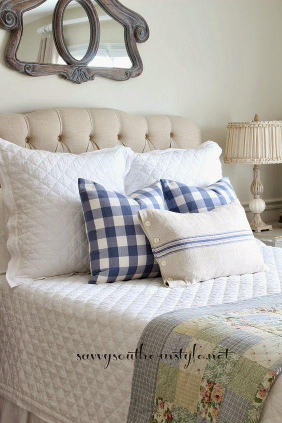 French Style Bedroom Guest Room Blue And White Pottery