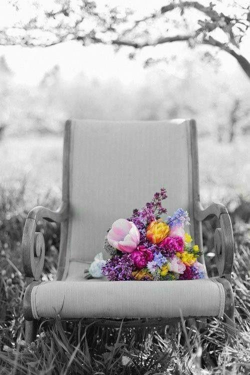 Bouquet of flowers. Color splash.:
