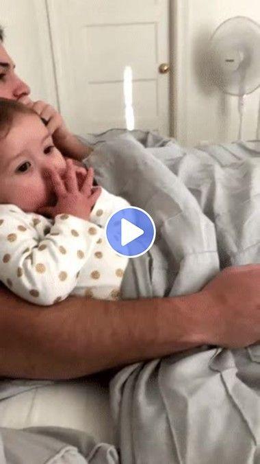 Bebezinho com ciumes do papai