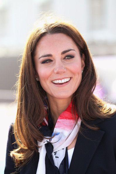 Kate Middleton scarf