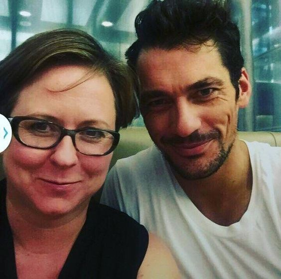 #DavidGandy with a fan at the airport yesterday || 15/09/15