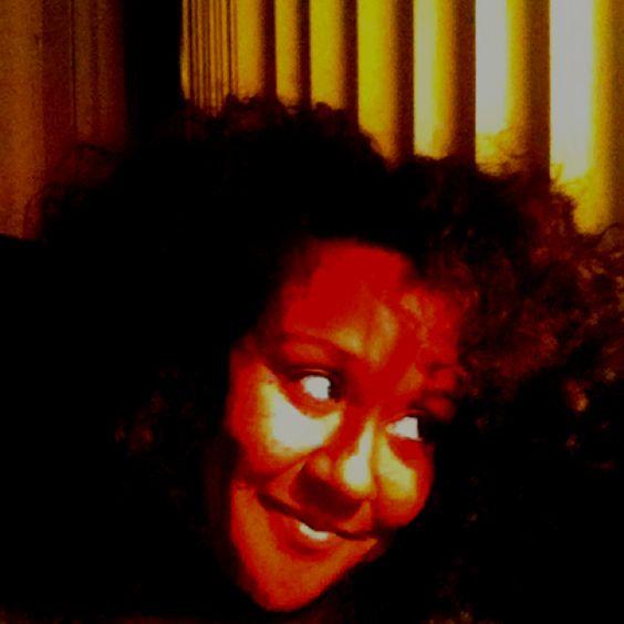 Just used my scalp treatment scalp scrub brounlikeme ! Feeling good!! www.brounlikeme.blogspot.com