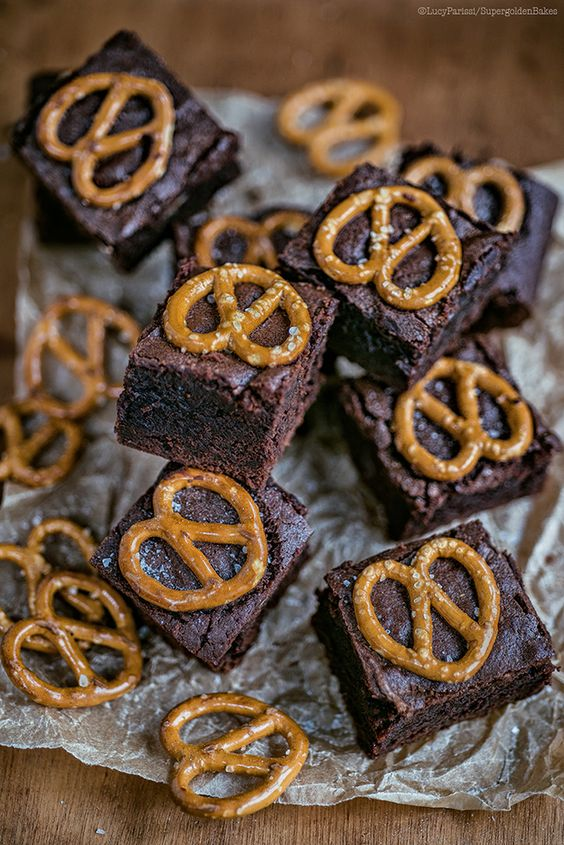 Peanut Butter Pretzel Brownies - an easy recipe with just the right chocolate and peanut butter hit. Cut into bars or squares.