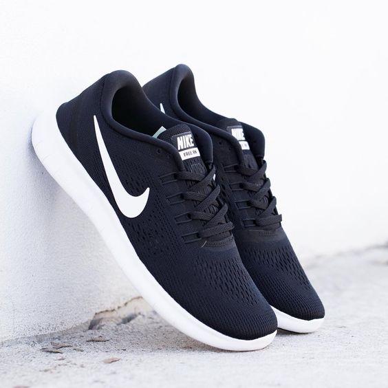 Nike Free RN: Black