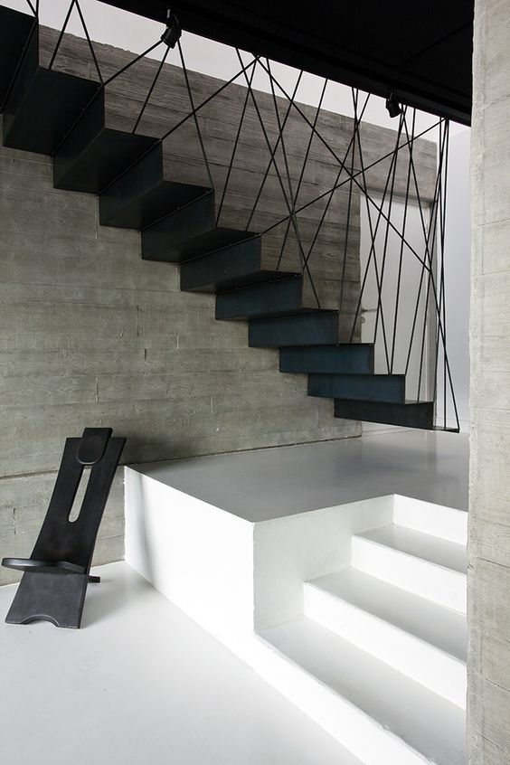 l 39 escalier contemporain peut tre un l ment fort de votre. Black Bedroom Furniture Sets. Home Design Ideas