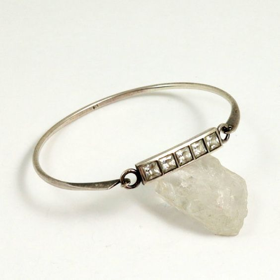 Vintage 925 Sterling Silver Oval Bangle Hinged Bracelet by mybooms