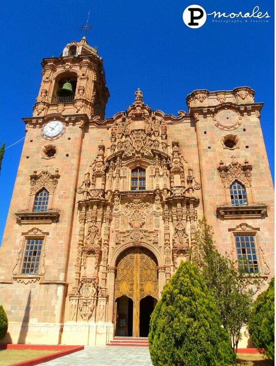 Iglesia de San Calletano in Guanajuato, Mexico. It Was a great trip, it's a shame that lots of people prefers foreign countries.