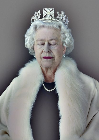 one of Chris Levine's amazing pictures of the queen