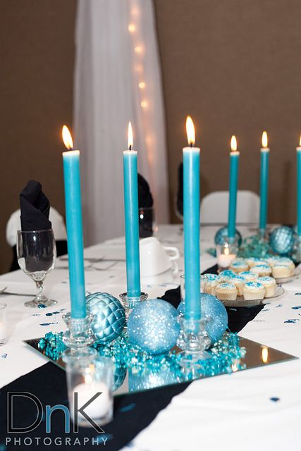 Allison jacob 39 s love in a blizzard offbeat lite wedding - Candle and mirror centerpieces ...