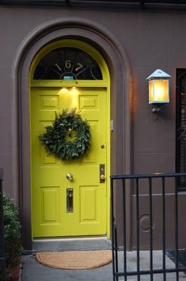 Oh how beautiful !! Citron yellow dorr and dark grey brown exterior walls! How dramatic!!: