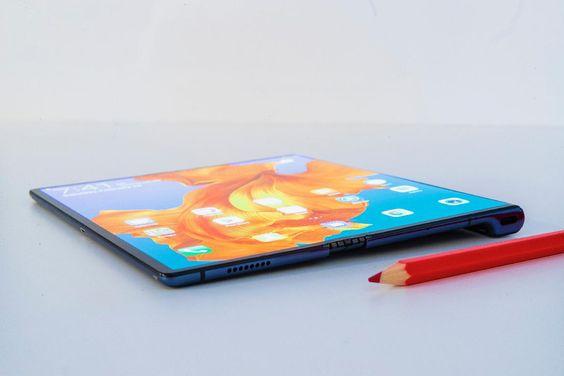 Das Huawei Mate X ist der größte Konkurrent für das brandneue Galaxy Fold. Unser Fazit? Mehr auf der Website!