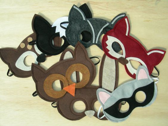 These would actually be pretty easy to make... well, for someone who can sew that is.
