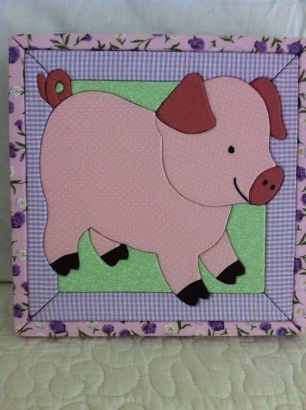 Quadro feito com patchwork embutido. Fazemos qualquer produto sob encomenda! <br>*Tecidos podem variar!