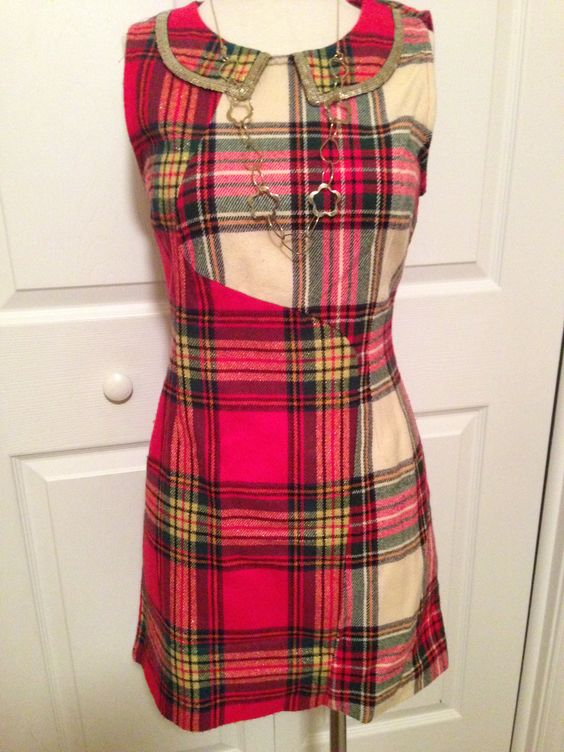 Holiday Outfit: Plaid Flannel Collared Dress with Long Gold Chain