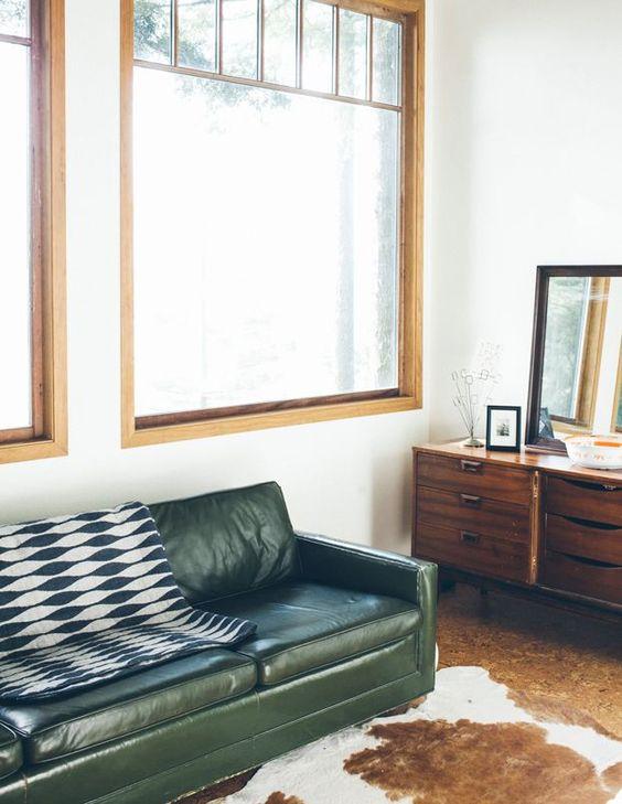 Thanh lịch và hiện đại với nội thất sofa da tphcm màu xanh olive