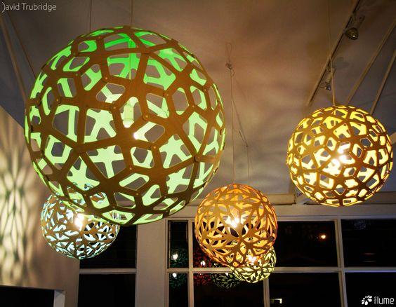 Luminária Pendente Coral e Floral. David Trubridge Brasil, distribuído pela Mais Lume, com revendedores em todo o país. Maislume@gmail.com www.maislume.com