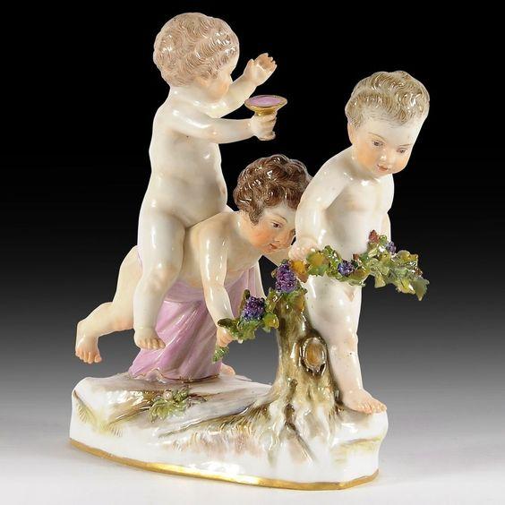 Meissen Porzellan Figurengruppen  Drei Putti als Bacchanten , Modell-No. A5