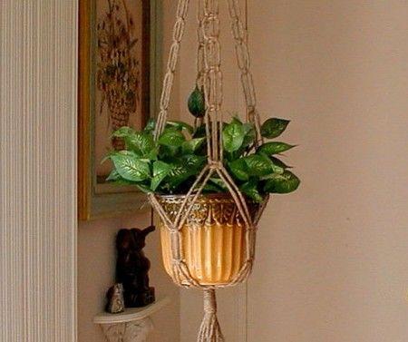 Light weight plant hanger