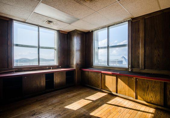100 North Main Memphis, Tennessee Abandoned Ghost Towns or - innenarchitektur industriellen stil karakoy loft