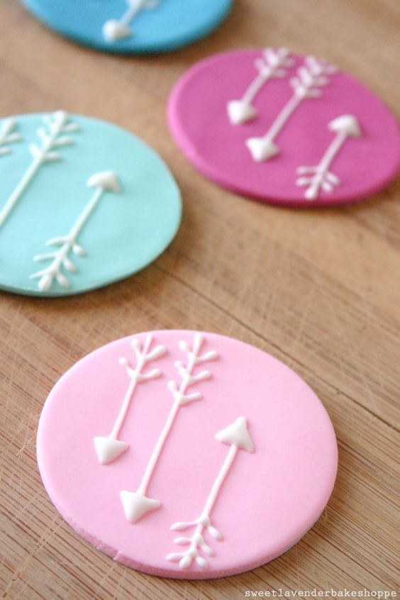 @Jenny K - arrows cupcake toppers