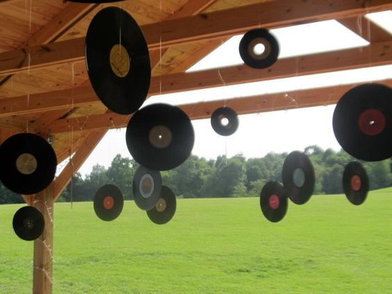 Records hanging from the ceiling roof 50 39 s 60 39 s rock n for Record decoration ideas