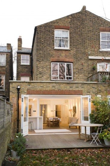 bi-fold doors in victorian terrace    Family Townhouse, Barnes   Hackett Holland Ltd