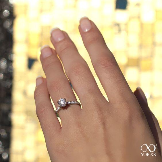 Gold and silver shimmer, glitter, sparkle #Yorxs #Diamantring #Diamantschmuck