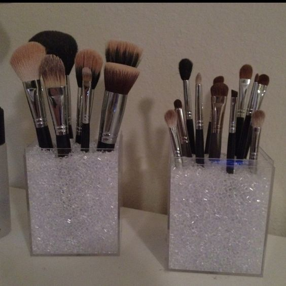 makeup brush holders acrylic box and brush holders on pinterest. Black Bedroom Furniture Sets. Home Design Ideas