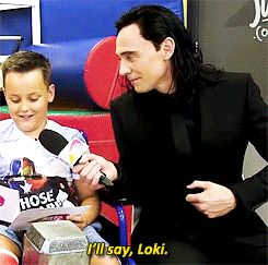 """Good answer."" Gif-set (by okihiddleston): http://maryxglz.tumblr.com/post/150369569332/lokihiddleston-good-answer"