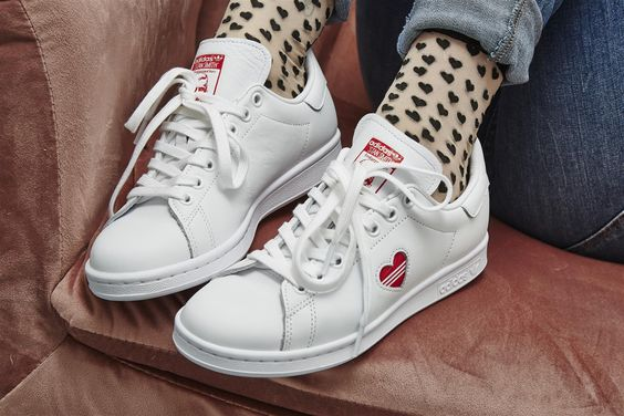 Check out these @adidasoriginals Stan Smiths ❤️ 😍 Get them in time for Valentines Day - TREAT YOURSELF! #adidas #stansmith #valentinesday