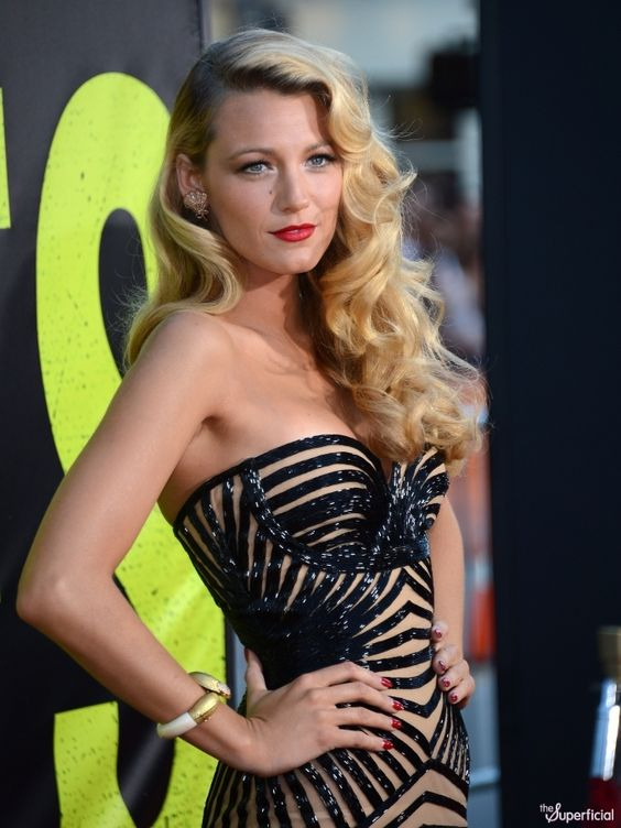 Blake Lively Savages Premiere - love the styling!
