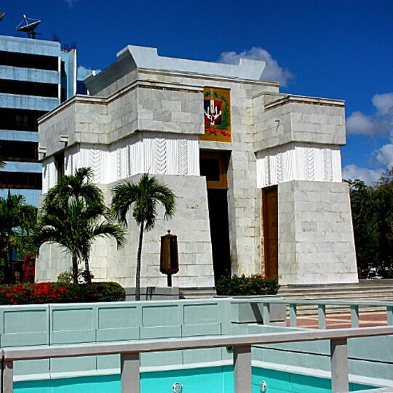 Santo Domingo, República Dominicana www.facebook.com/RiestraTAD