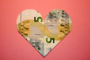 Faltanleitung Herz Als Geldgeschenk Hochzeit Net Geld Falten Herz Geld Falten Hochzeit Geld Falten Geburtstag