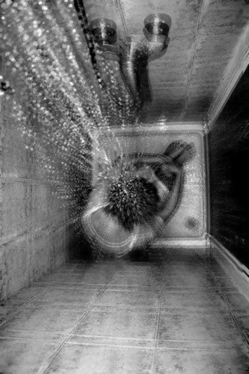 #alone #lost #hurt #girl #black&white #dark #sad