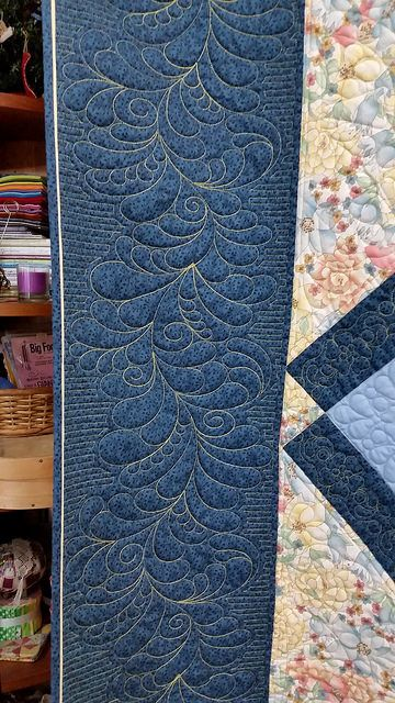 check out the border of dell s beautiful blue and yellow quilt she used quilt path for the. Black Bedroom Furniture Sets. Home Design Ideas