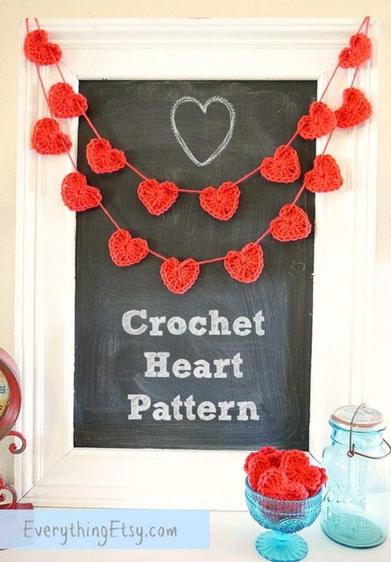 Valentine's Day Crochet Heart Pattern - super easy to make! EverythingEtsy.com  #crochet #free #pattern