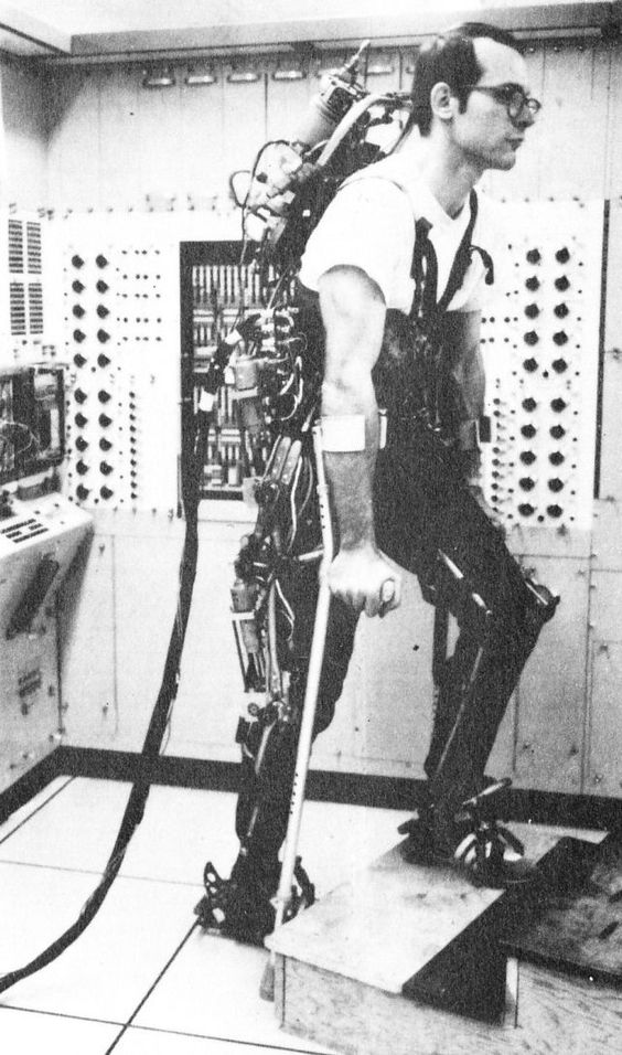 1971 - A computer controlled multi-task powered exoskeleton for paraplegic patients - Jack George Grundmann / Ali Seireg (American) - cybern...