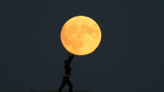 Amazing Photography – People activities combined with the moon - Amazing Photos - Amazing Photo Gallery in The World