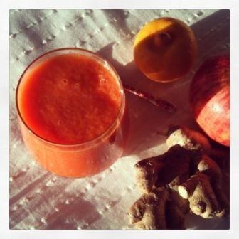 Recette jus detox bio pommes carotte citron gingembre frais just take care of you pinterest - Recette jus detox ...