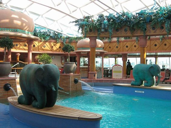 everything about royal caribbeans solarium