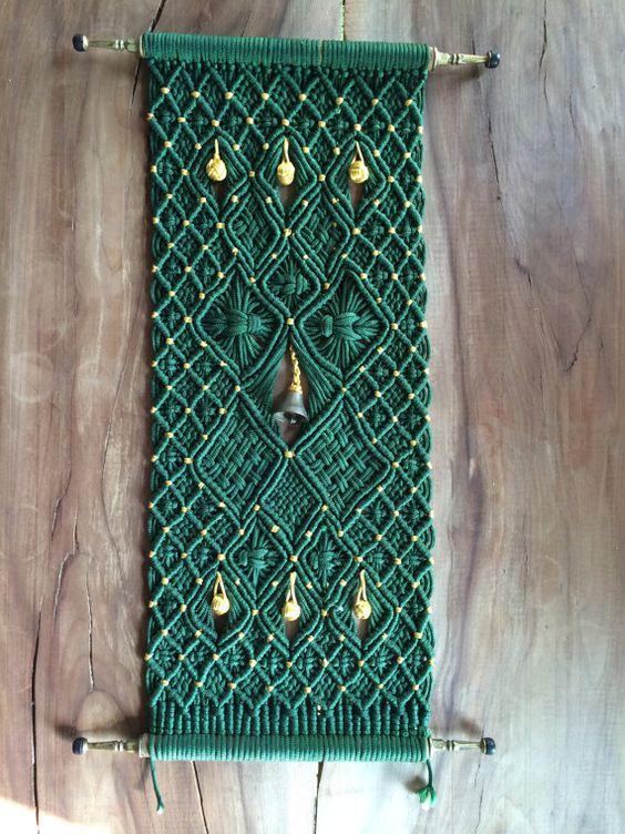 Vintage Original Green Macramé Wall Decoration от FuddyDuddies, $10.00